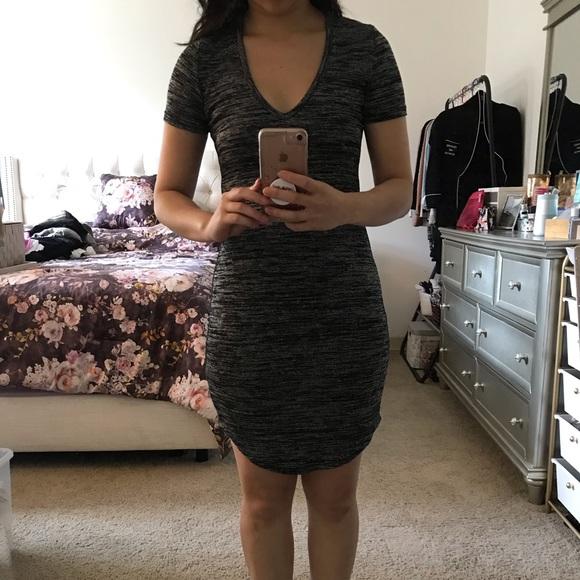 Aritzia Dresses & Skirts - NWOT Aritzia Golden TNA grey v-neck dress